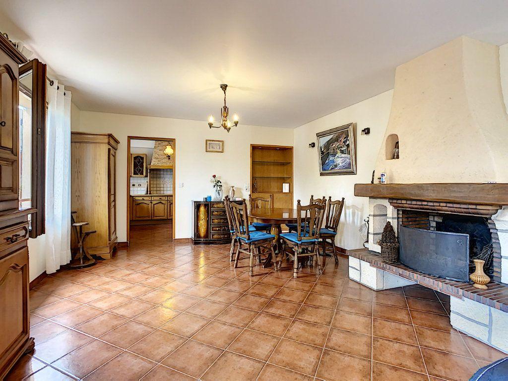 Maison à louer 5 115m2 à Champigny-sur-Marne vignette-1