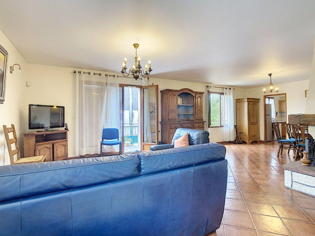 Maison à louer 5 115m2 à Champigny-sur-Marne vignette-2