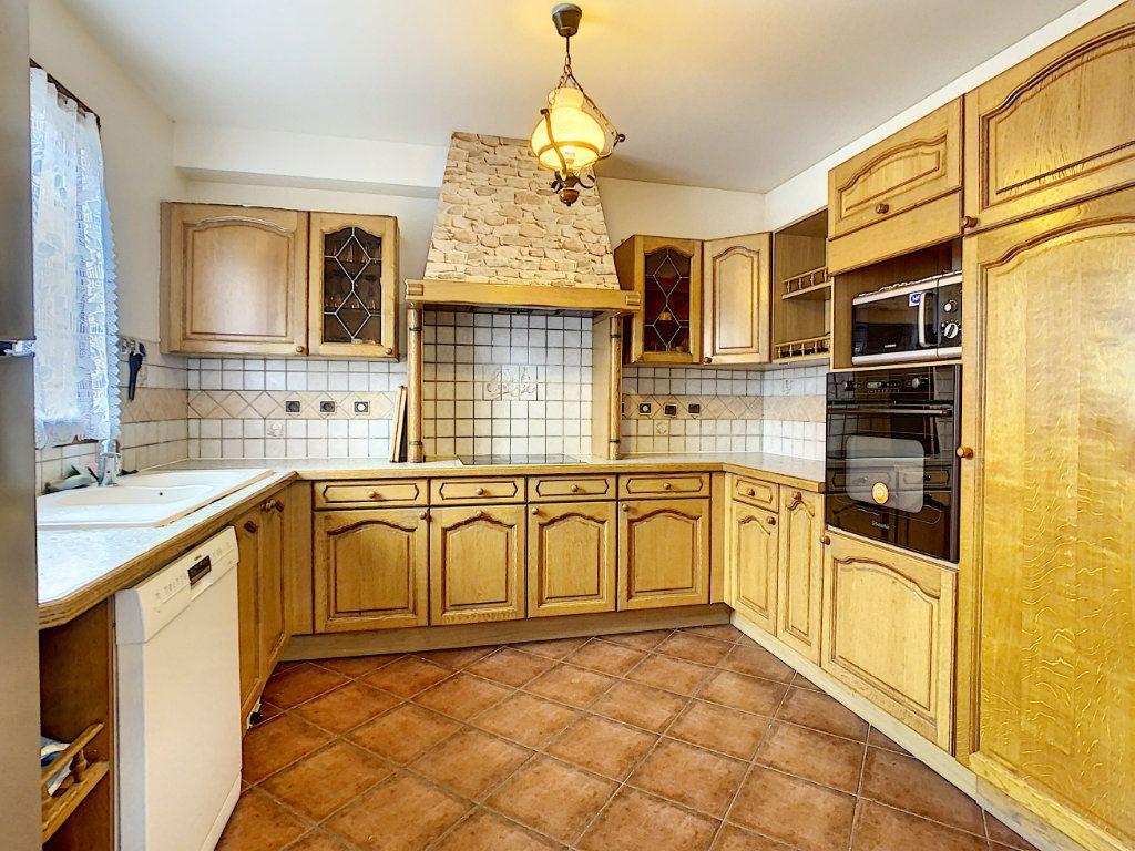 Maison à louer 5 115m2 à Champigny-sur-Marne vignette-4