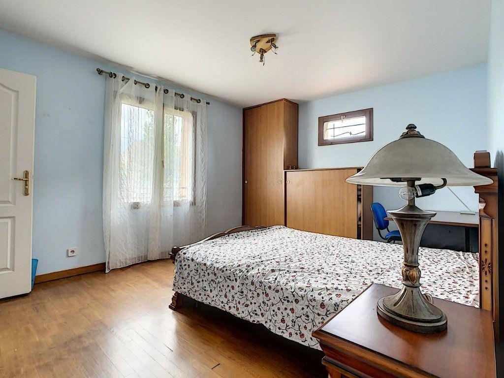 Maison à louer 5 115m2 à Champigny-sur-Marne vignette-5