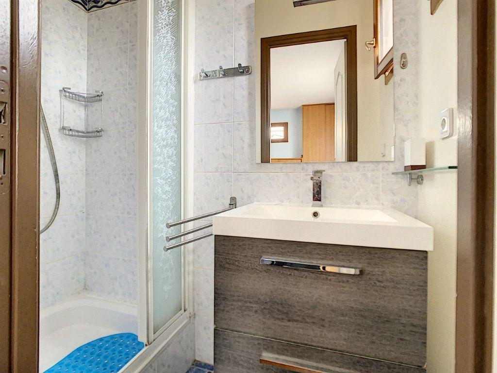 Maison à louer 5 115m2 à Champigny-sur-Marne vignette-7