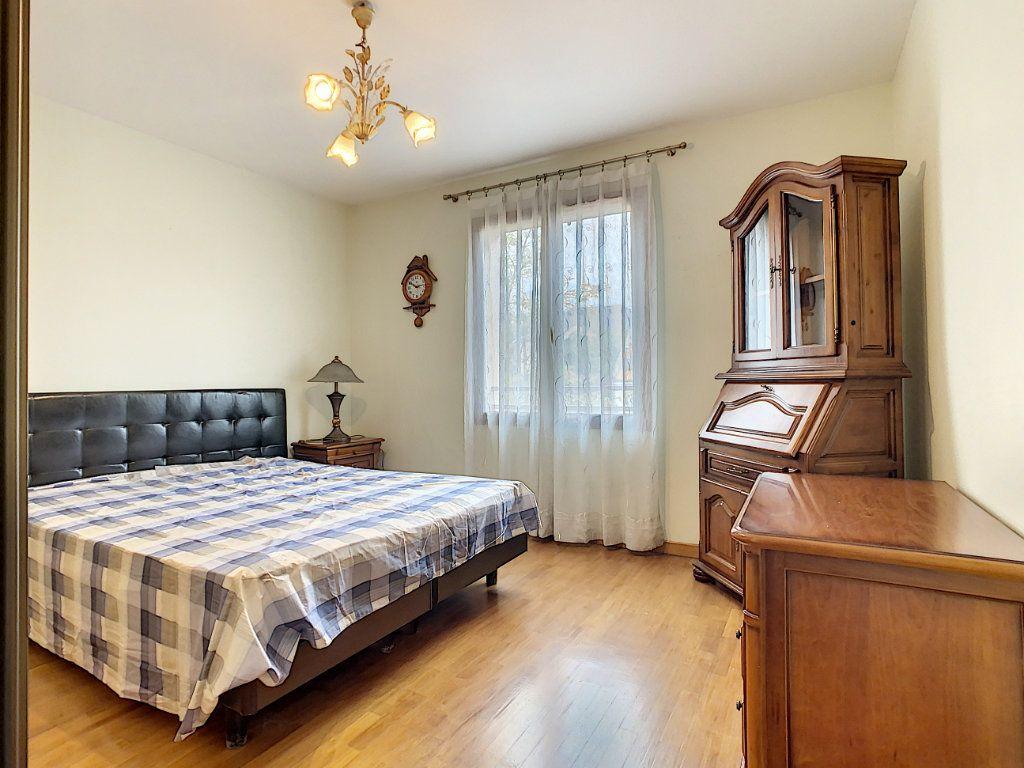 Maison à louer 5 115m2 à Champigny-sur-Marne vignette-10