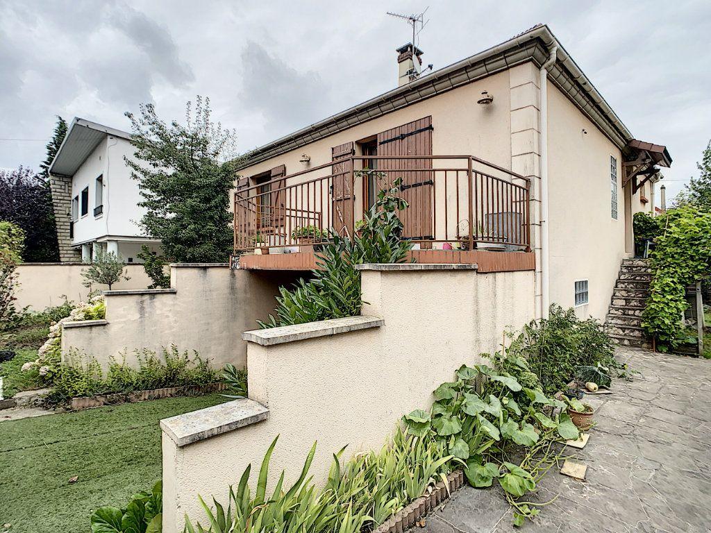 Maison à louer 5 115m2 à Champigny-sur-Marne vignette-14