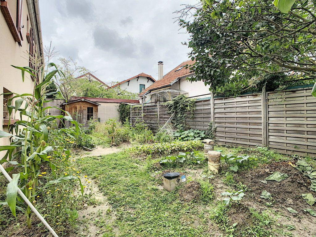 Maison à louer 5 115m2 à Champigny-sur-Marne vignette-15