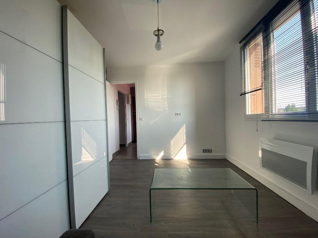Appartement à louer 2 29m2 à Valenton vignette-2