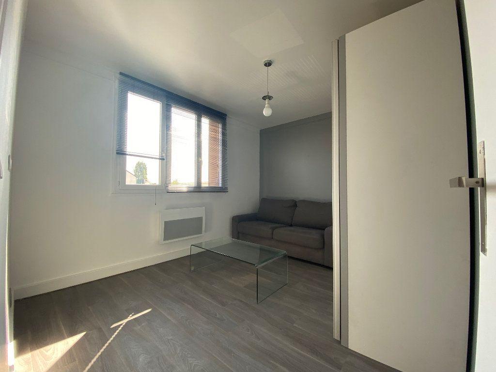 Appartement à louer 2 29m2 à Valenton vignette-3