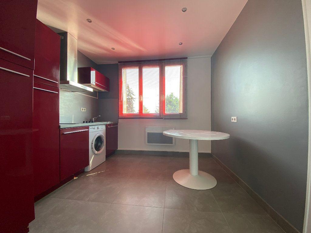 Appartement à louer 2 29m2 à Valenton vignette-4