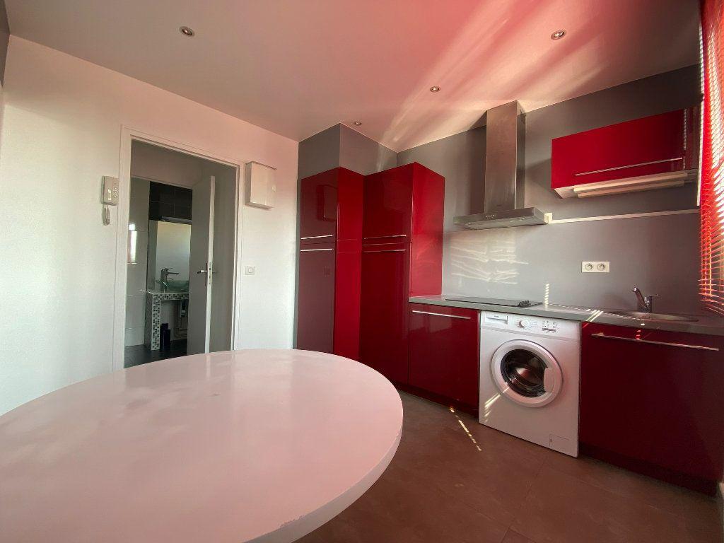 Appartement à louer 2 29m2 à Valenton vignette-5