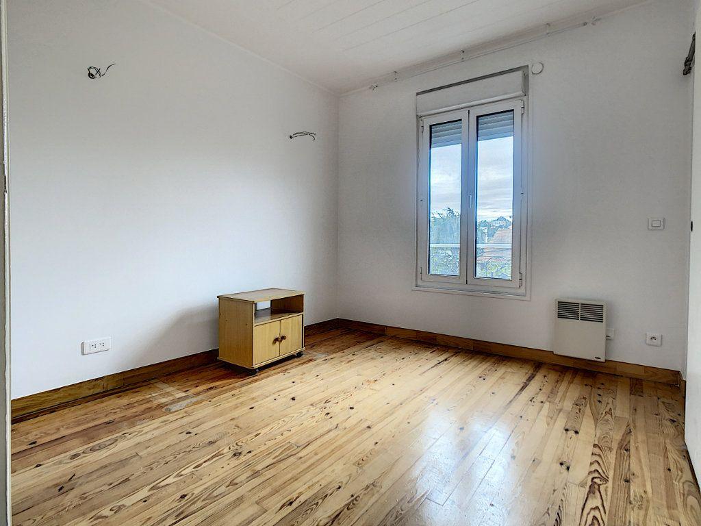Appartement à louer 3 40.26m2 à Champigny-sur-Marne vignette-5