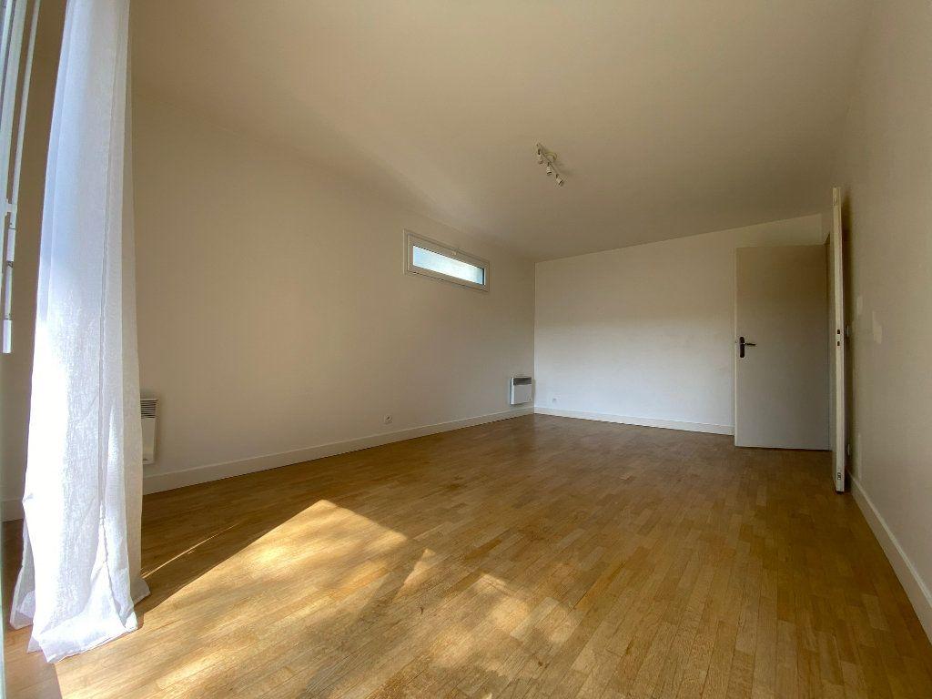 Appartement à louer 2 44.8m2 à Créteil vignette-2