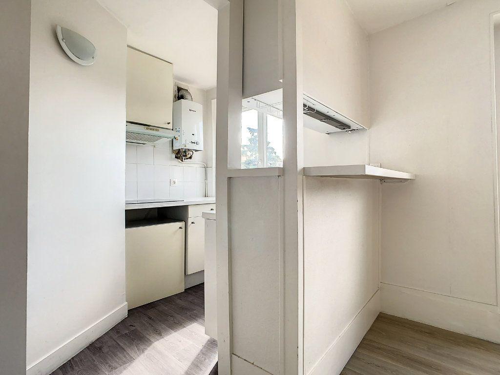Appartement à louer 3 50.5m2 à Créteil vignette-5