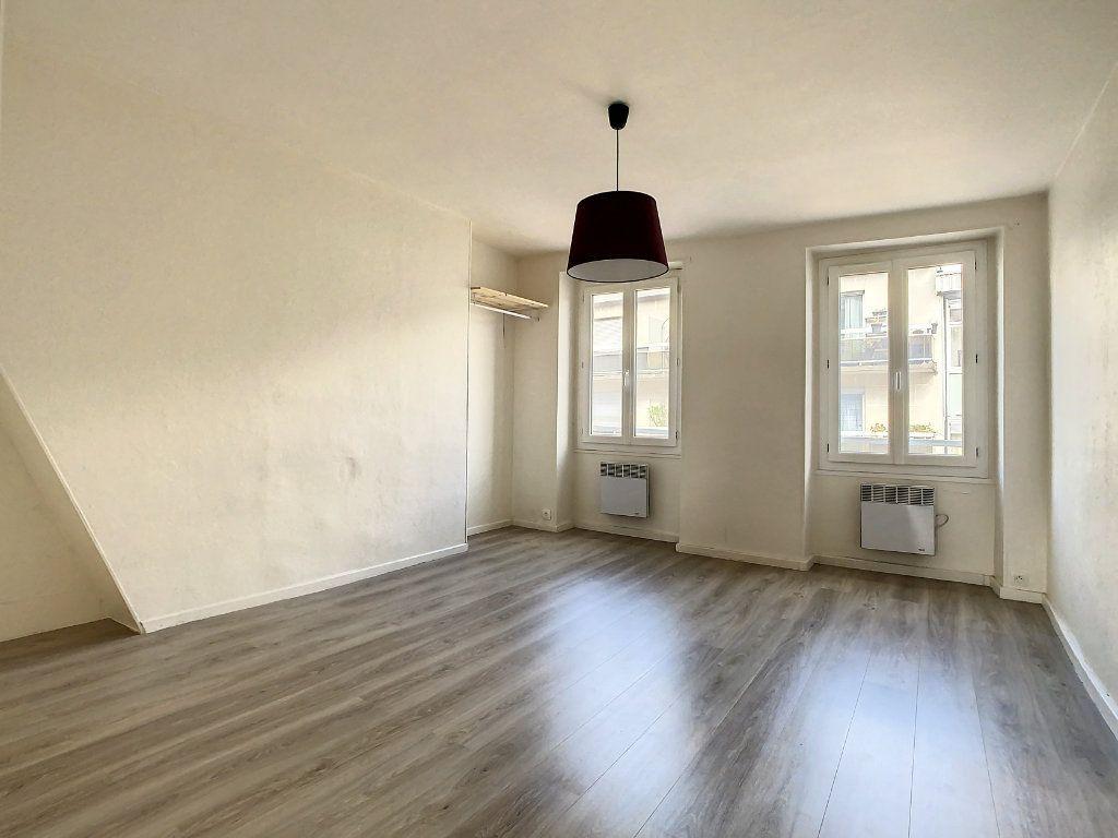 Appartement à louer 3 50.5m2 à Créteil vignette-7