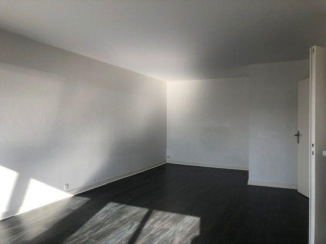 Appartement à louer 4 97.7m2 à Créteil vignette-4