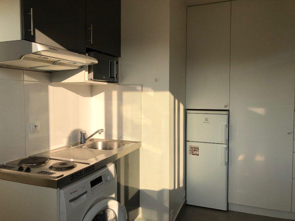 Appartement à louer 1 12.98m2 à Saint-Maur-des-Fossés vignette-6