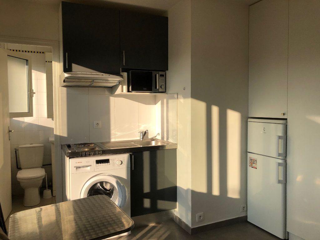 Appartement à louer 1 12.98m2 à Saint-Maur-des-Fossés vignette-7