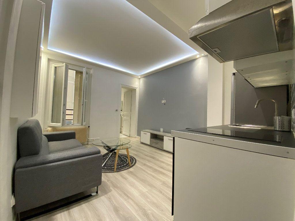Appartement à louer 2 31.52m2 à Levallois-Perret vignette-2