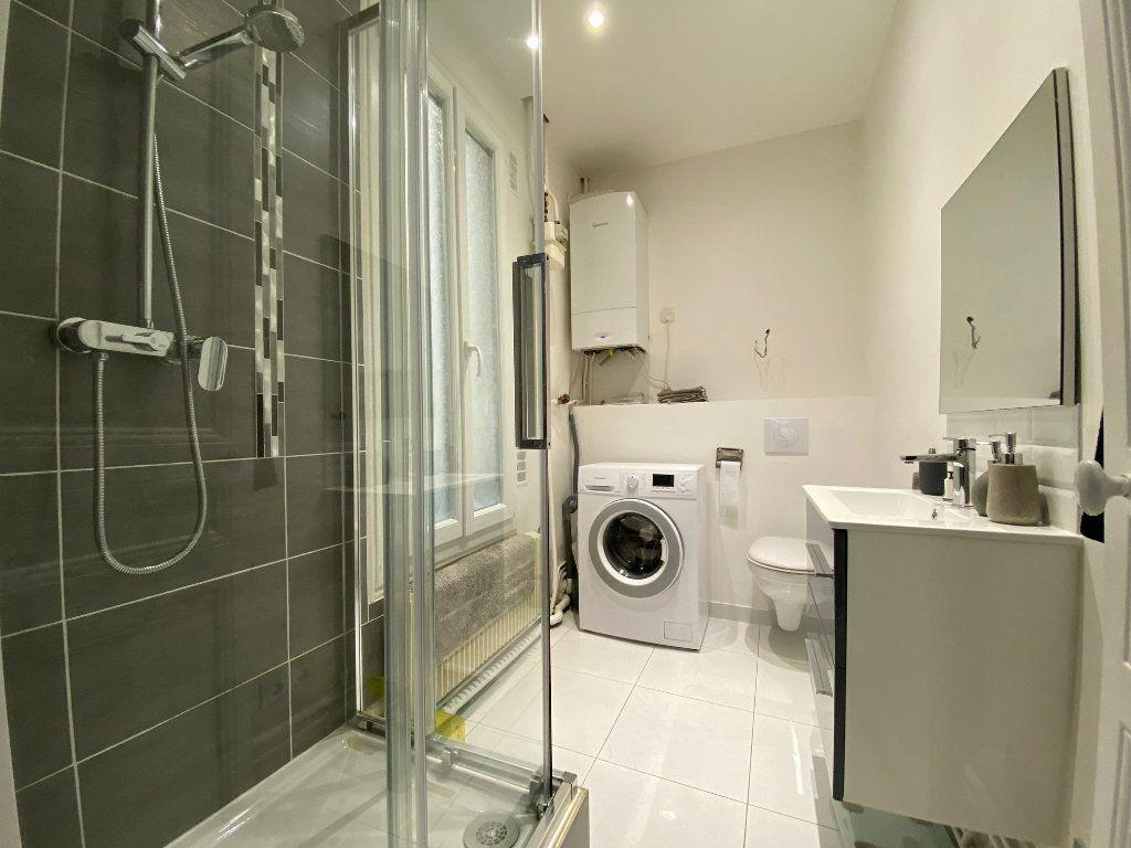Appartement à louer 2 31.52m2 à Levallois-Perret vignette-4