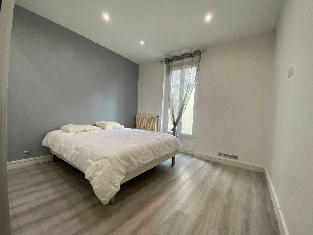 Appartement à louer 2 31.52m2 à Levallois-Perret vignette-6