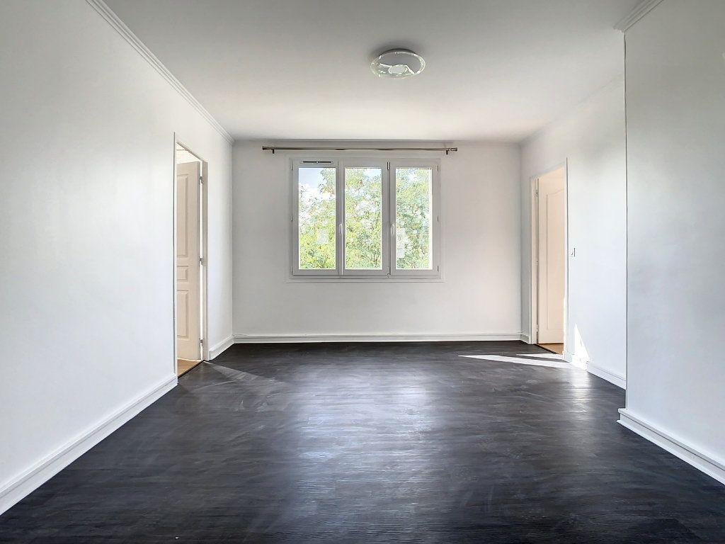 Appartement à louer 4 60.35m2 à Champigny-sur-Marne vignette-1