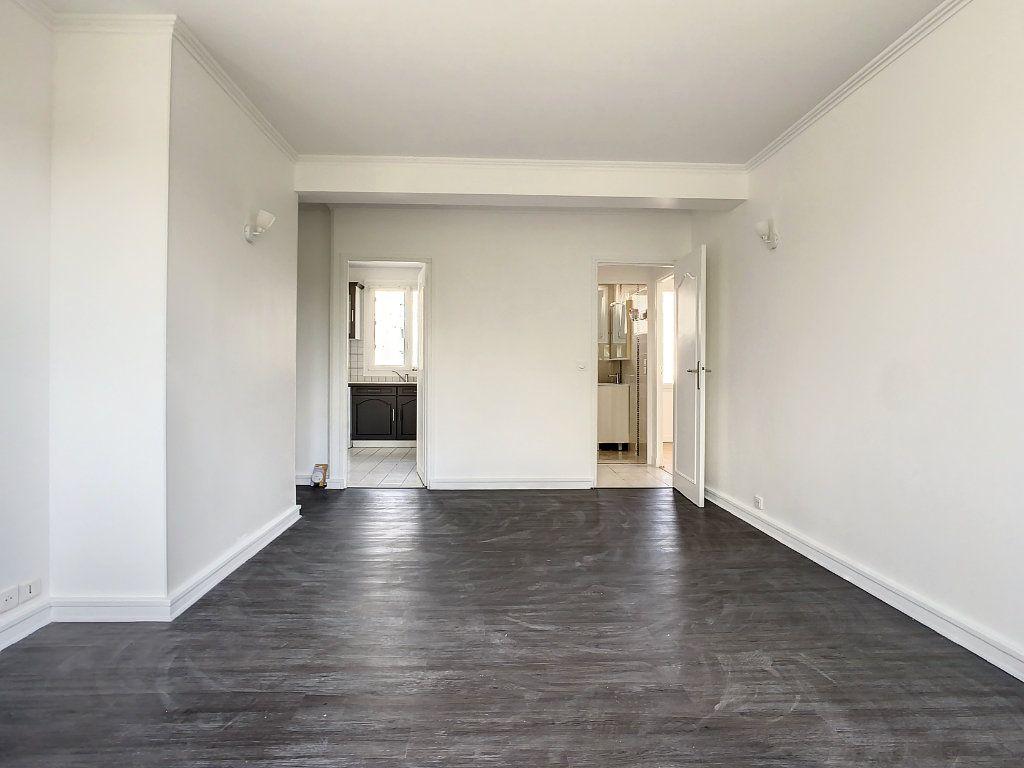 Appartement à louer 4 60.35m2 à Champigny-sur-Marne vignette-2