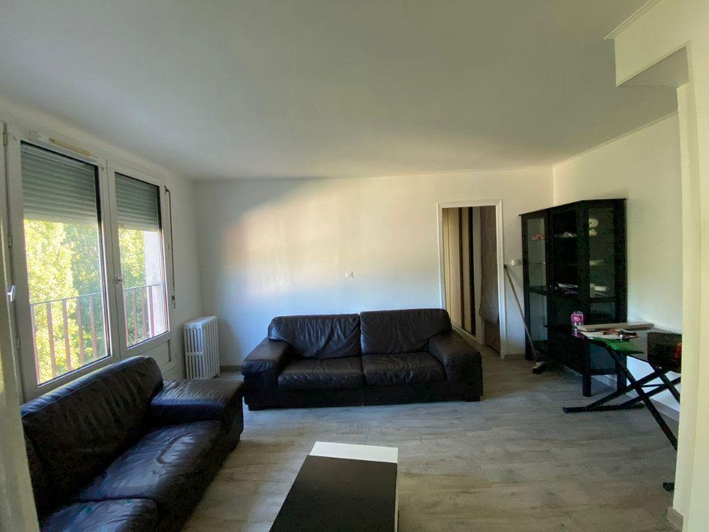 Appartement à louer 3 52.76m2 à Saint-Maurice vignette-1
