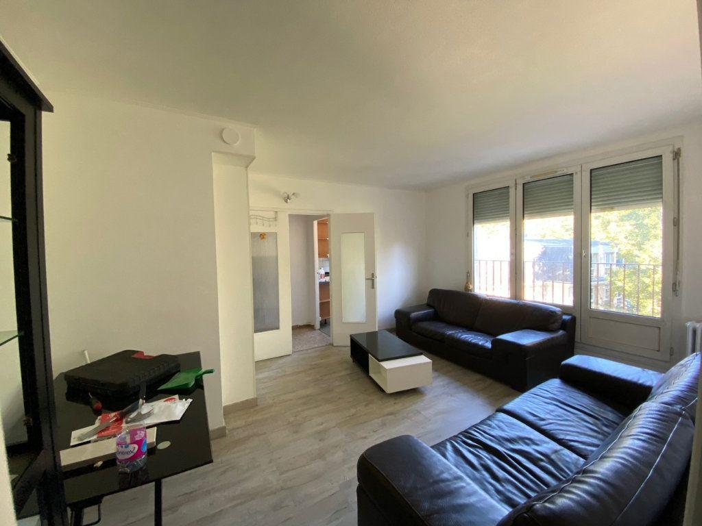 Appartement à louer 3 52.76m2 à Saint-Maurice vignette-2