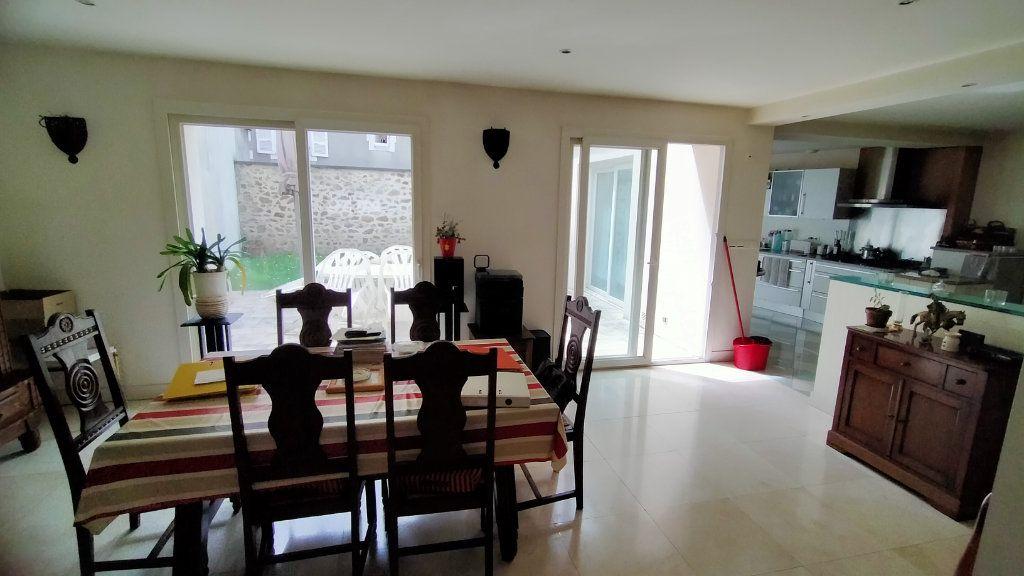Maison à vendre 5 220m2 à Limoges vignette-3