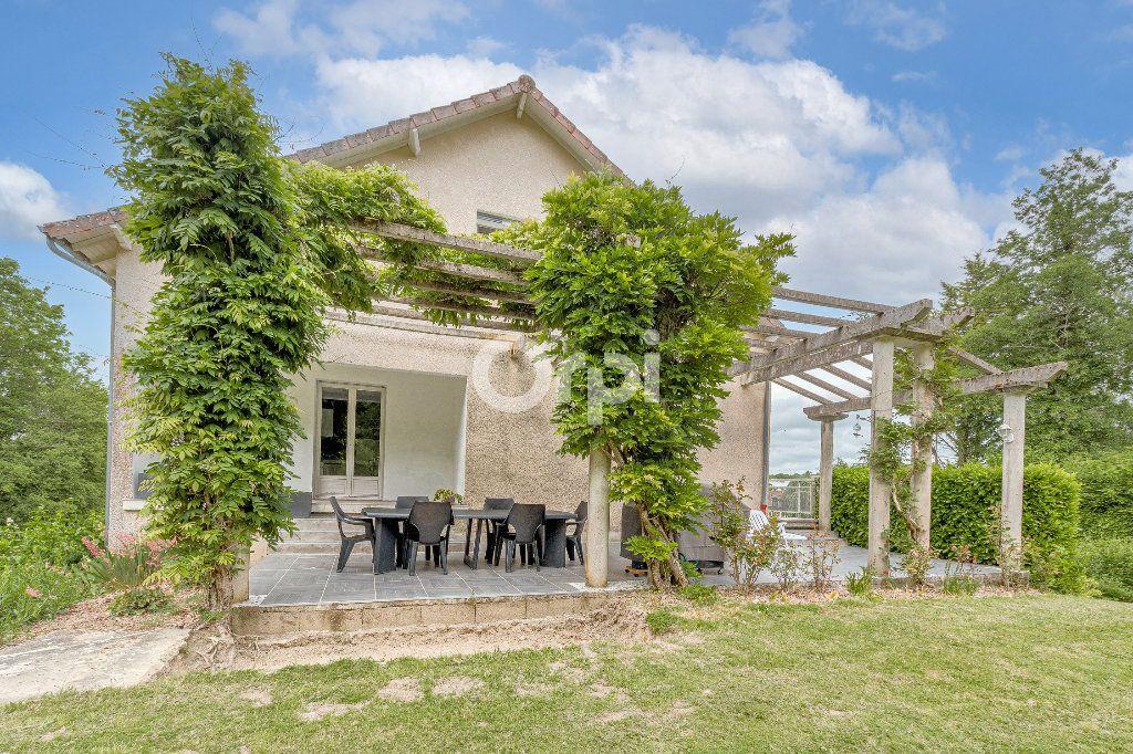 Maison à vendre 8 252.37m2 à Nantiat vignette-3