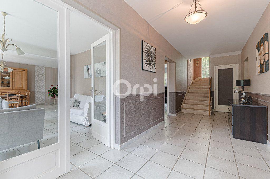 Maison à vendre 8 252.37m2 à Nantiat vignette-4