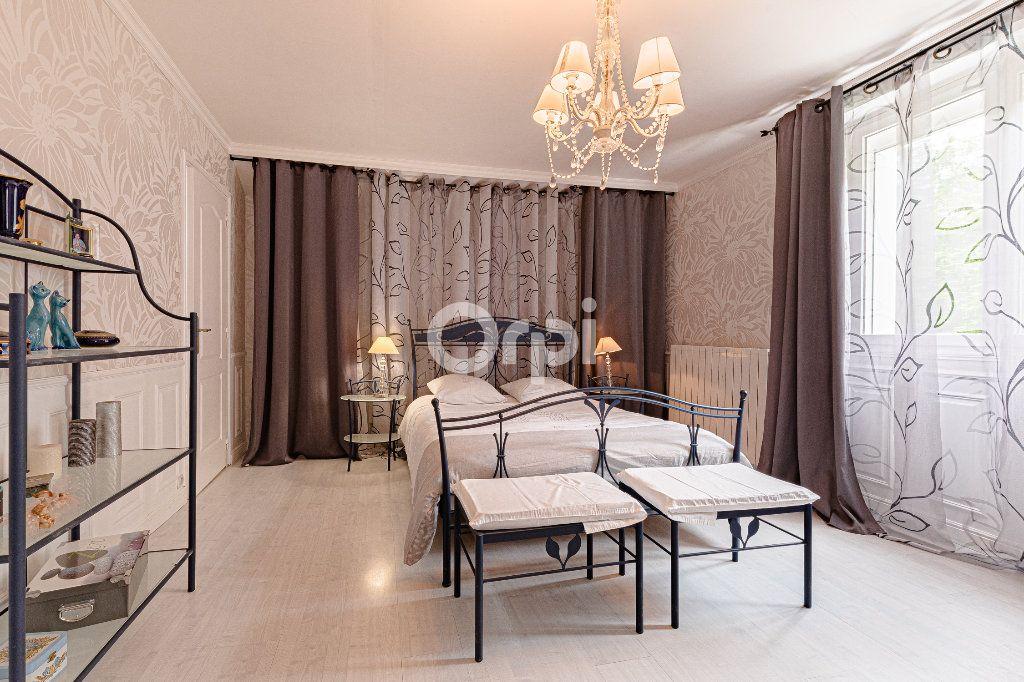 Maison à vendre 8 252.37m2 à Nantiat vignette-8