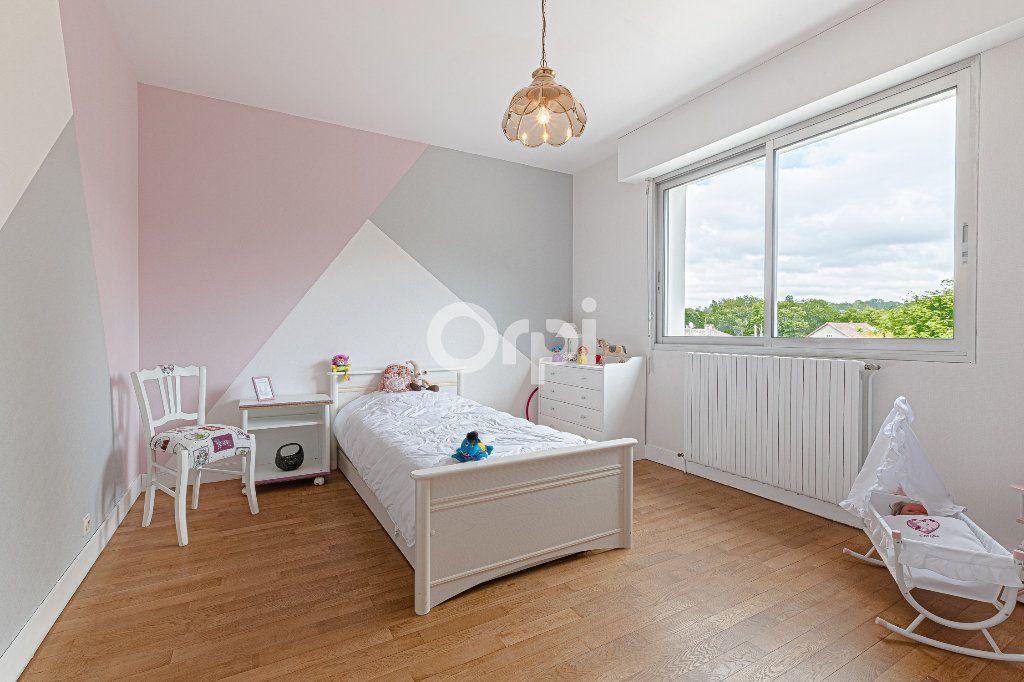 Maison à vendre 8 252.37m2 à Nantiat vignette-10