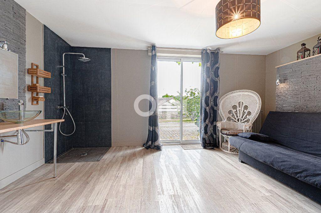 Maison à vendre 8 252.37m2 à Nantiat vignette-11