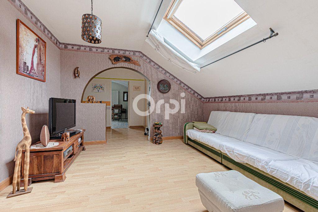 Maison à vendre 8 252.37m2 à Nantiat vignette-15