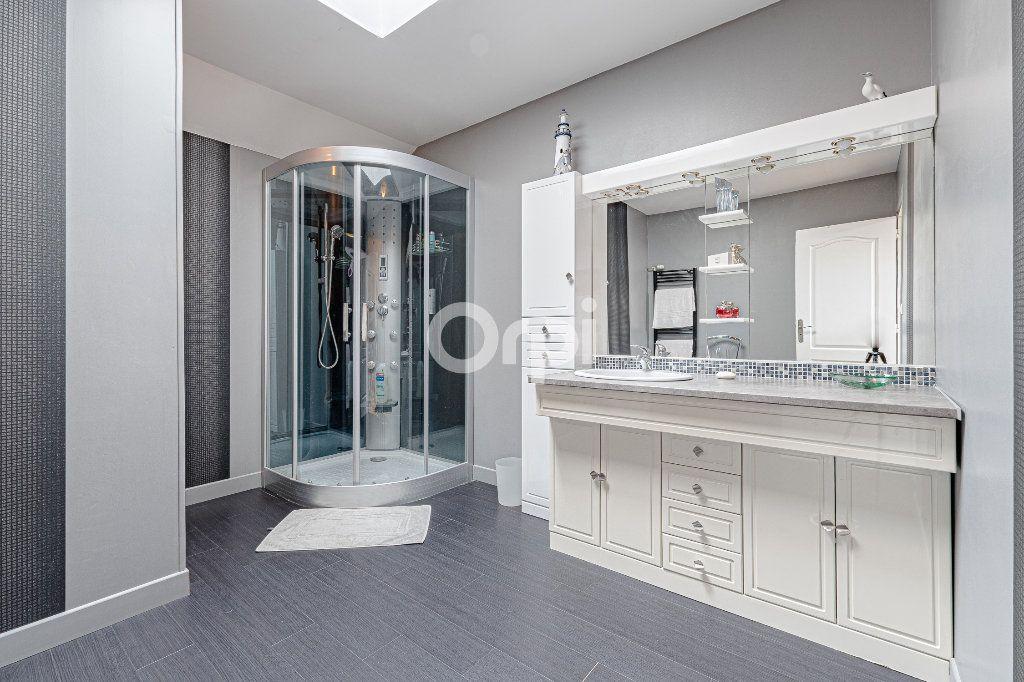 Maison à vendre 8 252.37m2 à Nantiat vignette-16