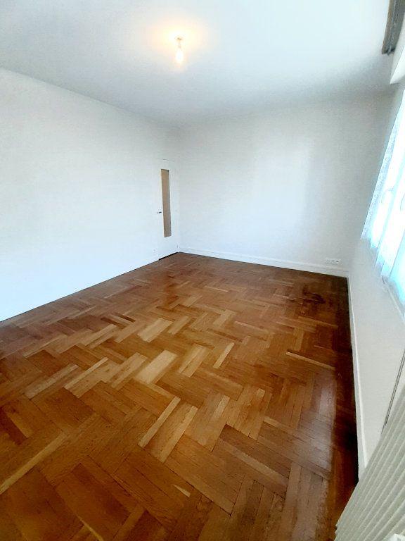 Appartement à louer 3 64.51m2 à Limoges vignette-5