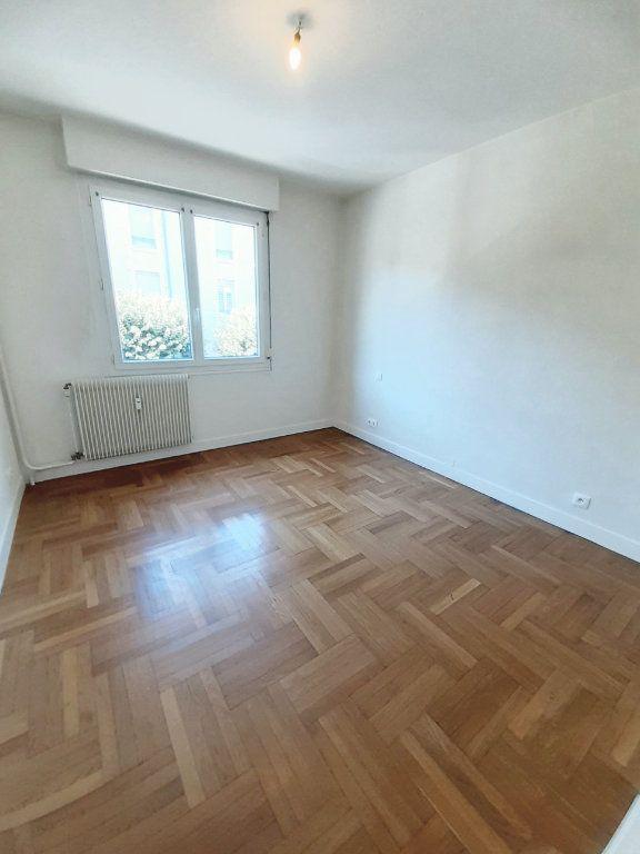 Appartement à louer 3 64.51m2 à Limoges vignette-7