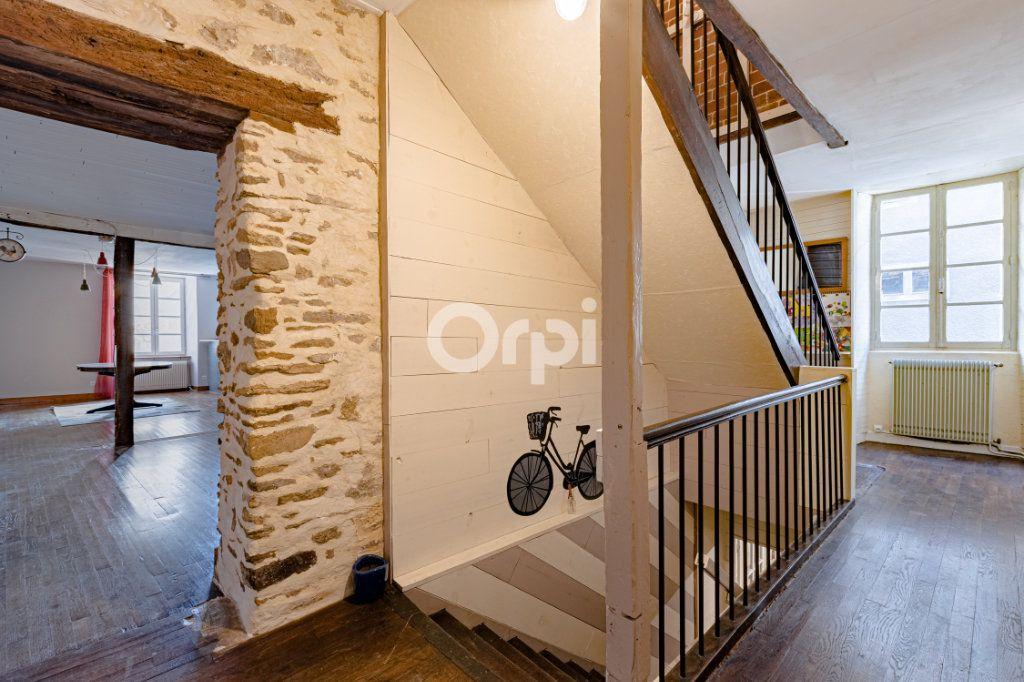 Maison à vendre 7 200m2 à Saint-Léonard-de-Noblat vignette-5