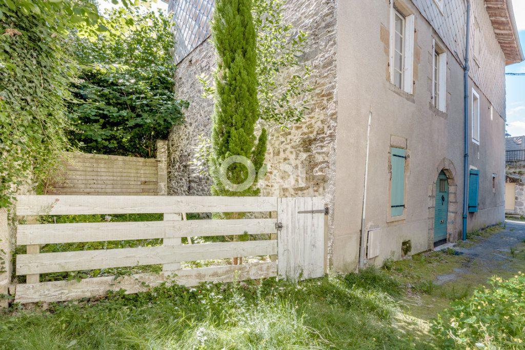 Maison à vendre 7 200m2 à Saint-Léonard-de-Noblat vignette-15