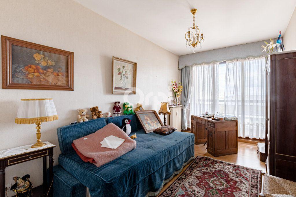 Appartement à vendre 4 90m2 à Limoges vignette-4