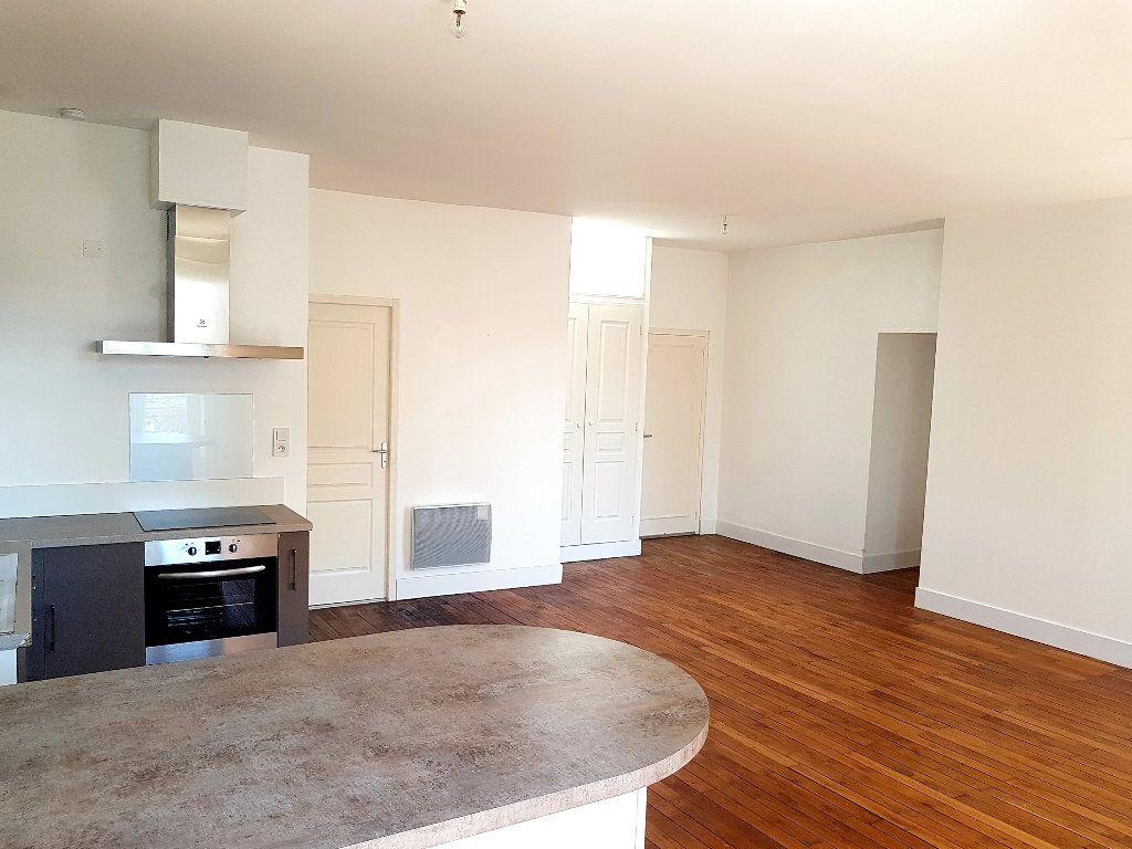Appartement à vendre 3 76.75m2 à Limoges vignette-3