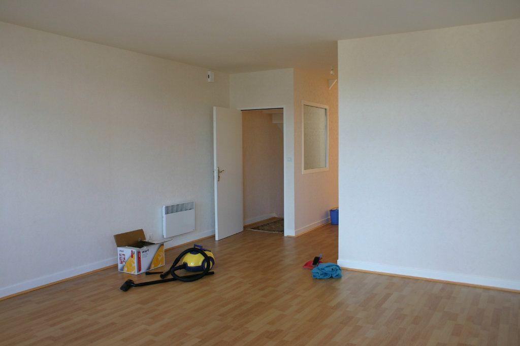 Maison à vendre 6 110m2 à Saint-Germain-les-Belles vignette-5