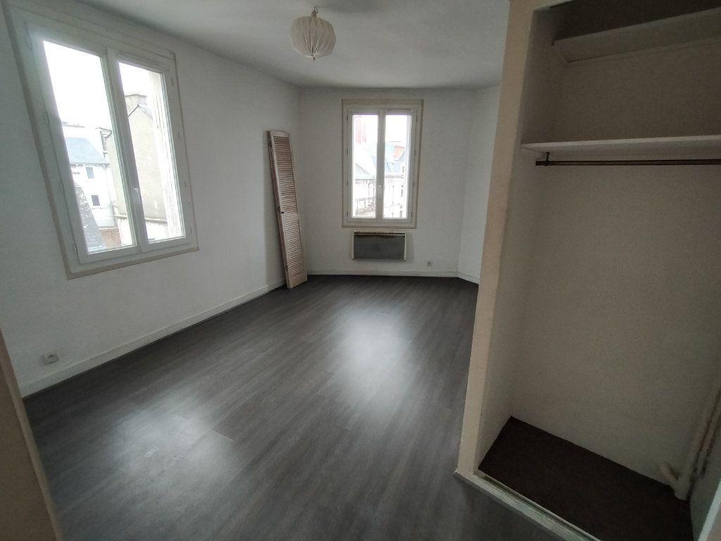Appartement à louer 2 30m2 à Limoges vignette-3