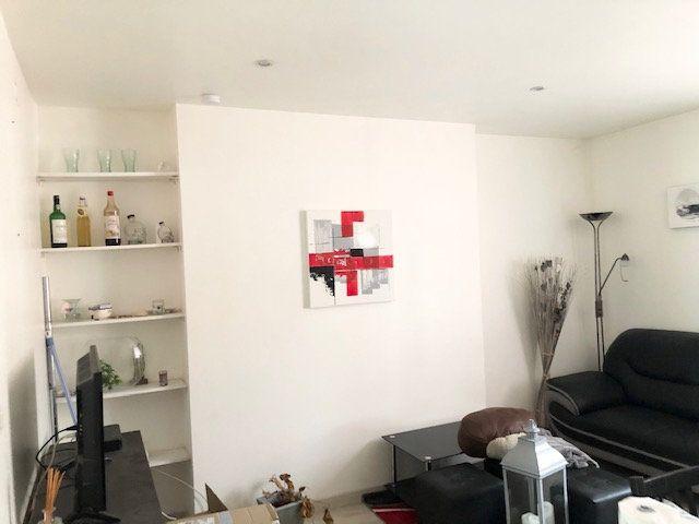 Appartement à louer 2 31.8m2 à Limoges vignette-4