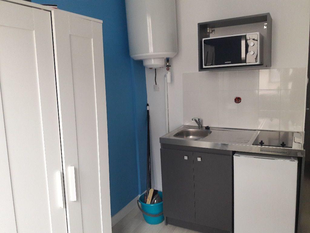 Appartement à louer 1 13m2 à Limoges vignette-3