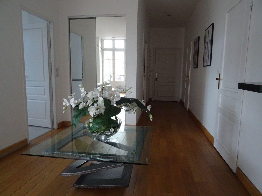 Appartement à vendre 4 88.23m2 à Limoges vignette-3
