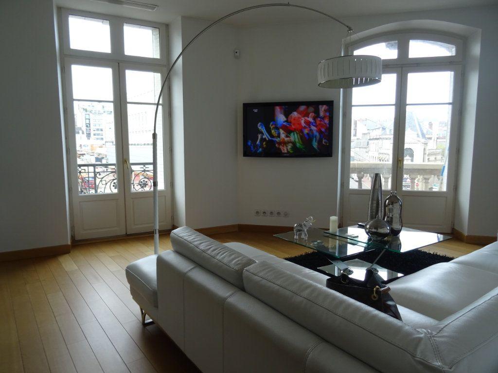 Appartement à vendre 4 88.23m2 à Limoges vignette-4