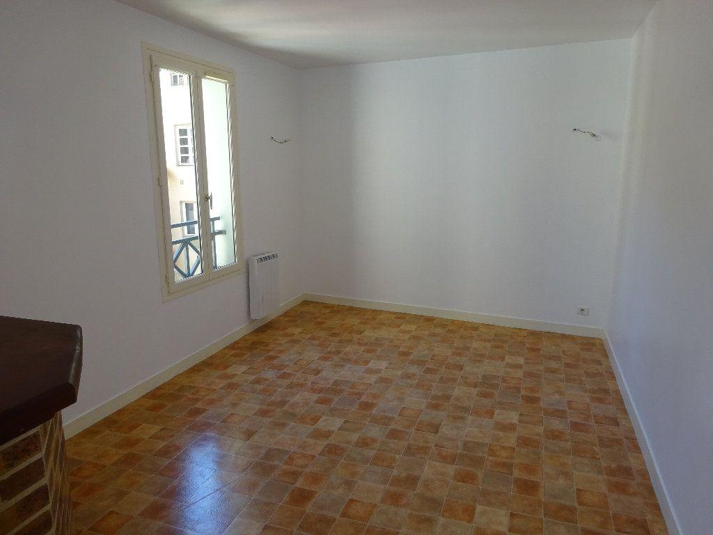 Appartement à louer 2 47.5m2 à Limoges vignette-2