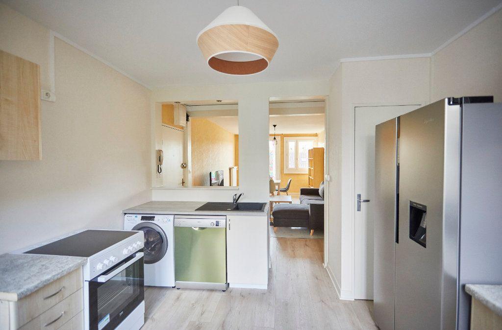 Appartement à vendre 6 87m2 à Limoges vignette-3