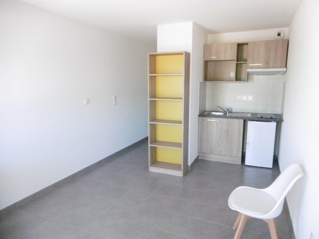 Appartement à louer 1 21.73m2 à Isle vignette-1