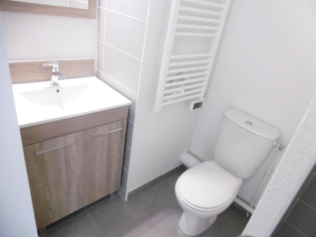 Appartement à louer 1 21.73m2 à Isle vignette-2
